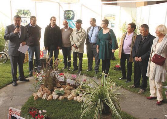 Samedi 17 octobre, à l'occasion de la foire exposition, Patrick Cassany a donc remis les prix aux lauréats du concours « Maisons fleuries » 2015