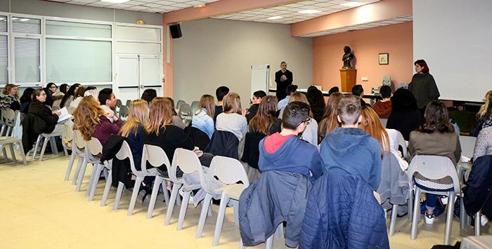 es ados sensibilisés aux addictions campagne au sein des établissements scolaires de Villeneuve